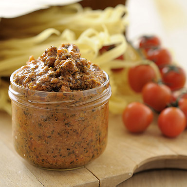 Organic Sun Dried Tomato & Olive Pesto - 01